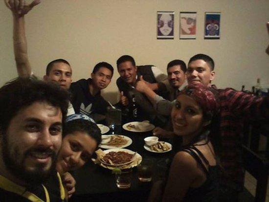 Gracias, Honduras: Cena en Mojitos con viajeros de Guatemala y Chile.