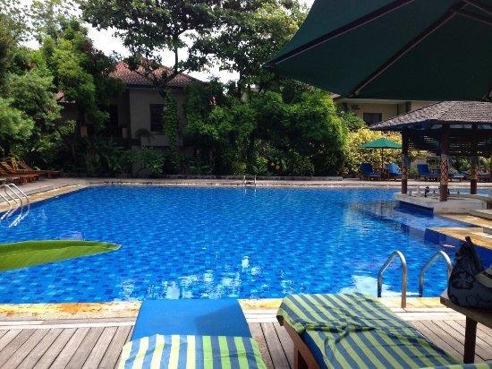 Risata Bali Resort & Spa: 空港から近くて便利。スタッフもフレンドリーです。