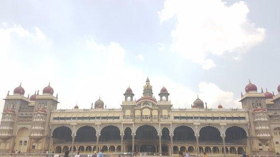 Mysore Maharajah's Palace (Amba Vilas): Not as good on the outside