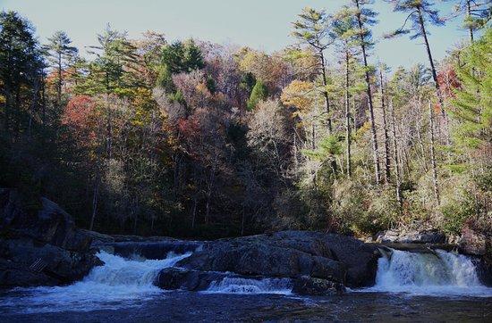 Linville Falls, North Carolina: First drops are minimal