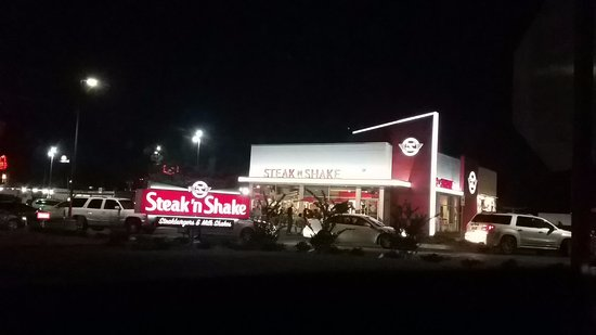 Steak 'n Shake, Pearl, MS Opening Night