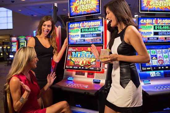 Fantasy Springs Resort Casino: Fantasy Springs is home to 2,000 of the hottest slots and video poker machines.