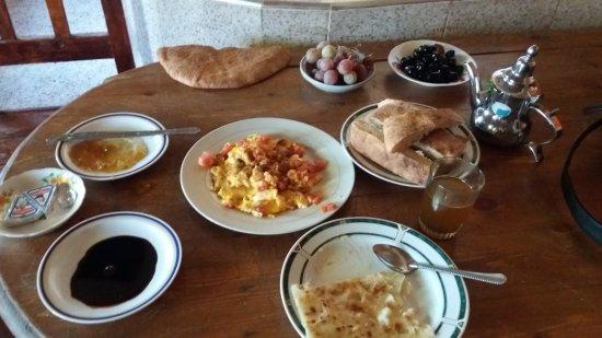 Riad Aicha: Mi desayuno, delicioso.