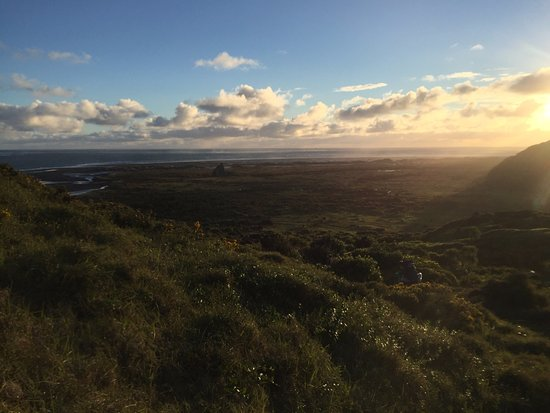 Waiheke-øya, New Zealand: The view we got hiking down to the campsite on our second day in the Waitakere Range