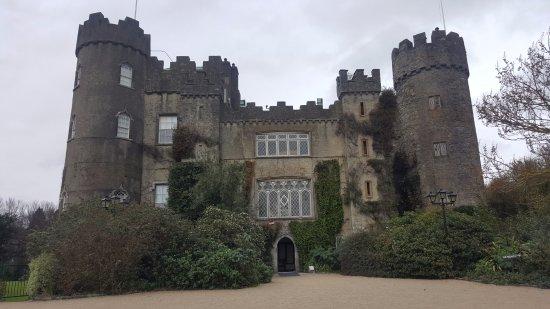 Malahide, ไอร์แลนด์: Front of castle