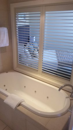 Kingscliff, Australië: Enjoy a spa bath