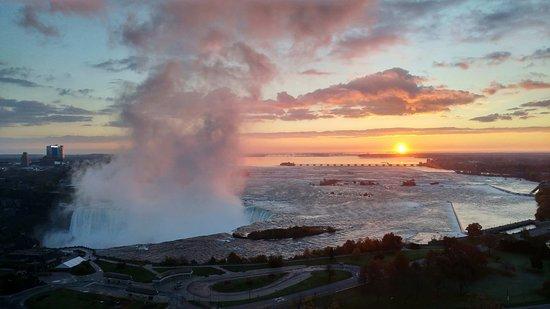 نياجرا فولز ماريوت جيت واي أون ذا فولز: Sunrise
