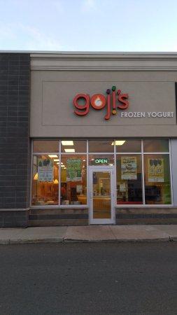 goji's Frozen Yogurt - Keeping it real!