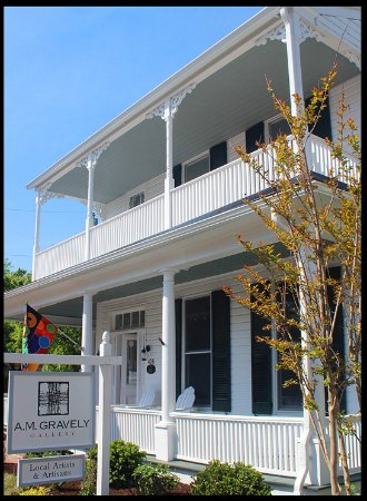 Saint Michaels, MD: The gallery is located in a vintage Victorian house