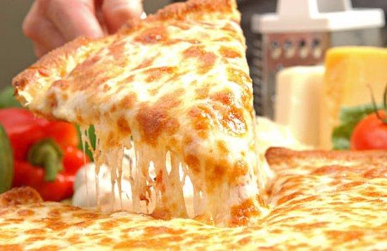Aldergrove, Kanada: 3 Cheese Pizza