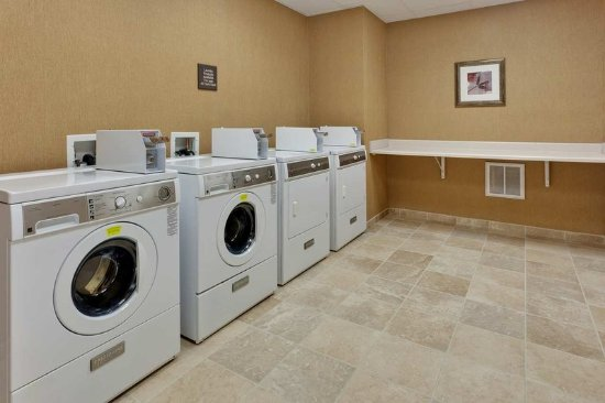 Windsor, CA: Laundry Facility