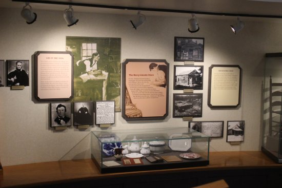 Petersburg, IL: Inside Visitor's Center
