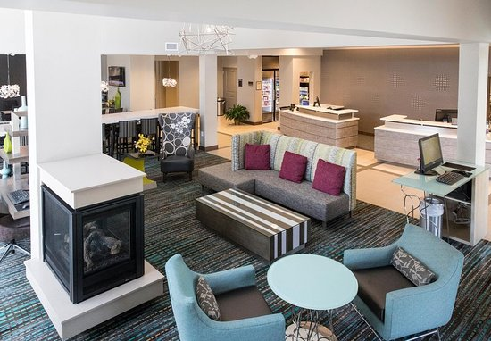 Malvern, Pensilvania: Our pet-friendly hotel offers comfort right off of the Pennsylvania Turnpike.