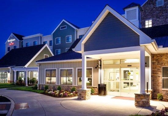 Malvern, Pensilvania: Entrance