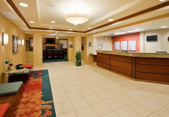 Oak Brook, IL: Front Desk
