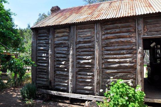 Swan Hill, Australia: Slab hut