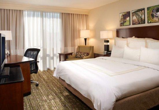 Charleston, Virginia Occidental: King Guest Room