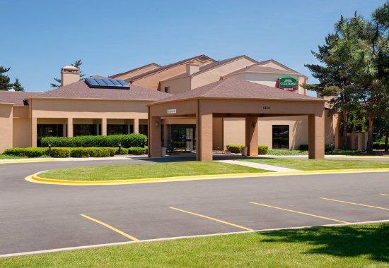 Glenview, IL: Entrance