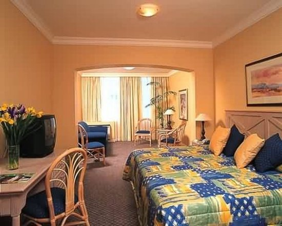 Protea Hotel by Marriott Durban Umhlanga: Guest Room