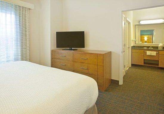 Branchburg, NJ: One-Bedroom Suite - Sleeping Area