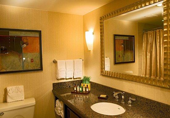 Saint Louis Park, MN: Bathroom