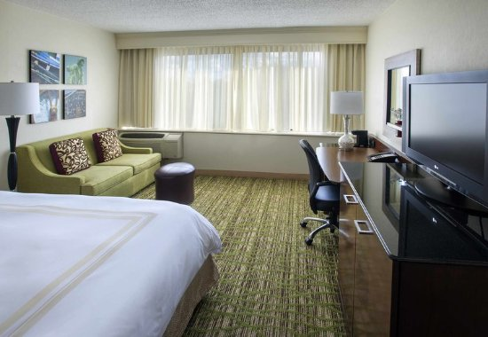 Peabody, MA: Concierge King Guest Room
