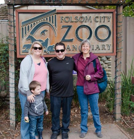 Folsom, CA: family at the Zoo