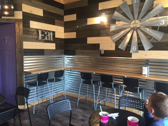 Niles, MI: Swirlyz is a fairly new frozen yogurt dessert place. Choose from several flavors then add your o