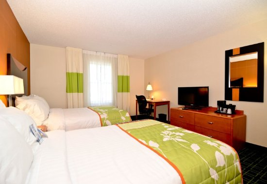 New Bedford, MA: Double/Double Guest Room