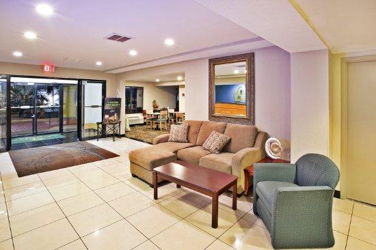 La Quinta Inn North Myrtle Beach: LobbyView