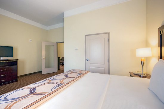 Cleburne, TX: Suite