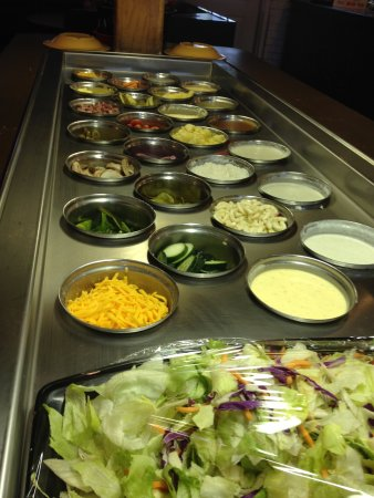Winder, GA: Salad Bar