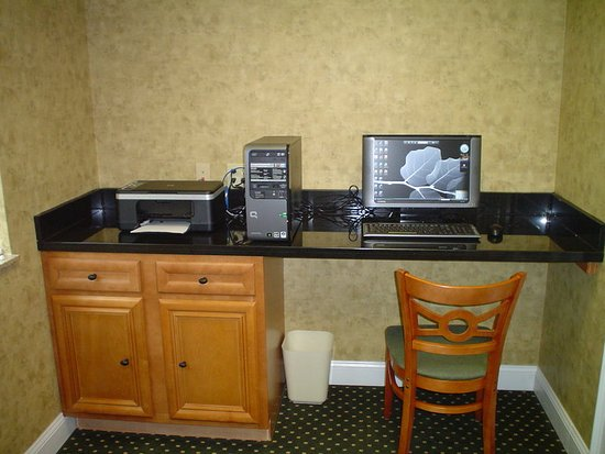 La Quinta Inn & Suites Fort Smith: BusinessCenter