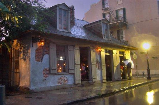 Private French Quarter Pub Crawl History Tour