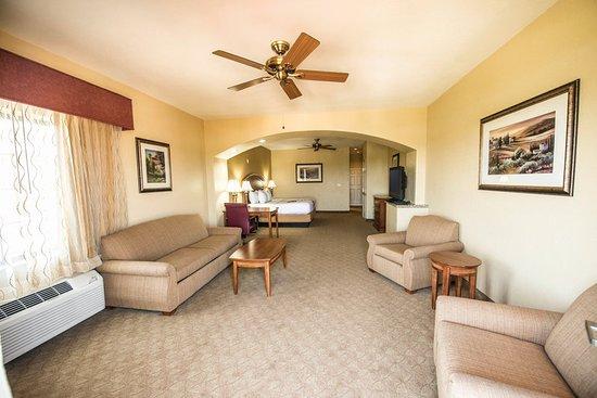 Marble Falls, TX: Guest Room