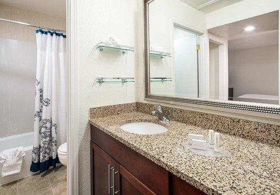 Arcadia, Californië: Studio Bathroom