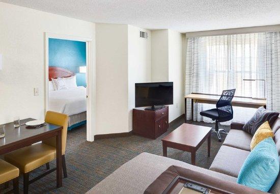 Milford, CT: One-Bedroom Suite