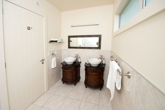 Pohara, Новая Зеландия: Luxury Room Sinks