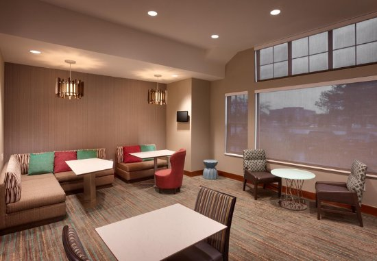 Sandy, UT: Lobby -Seating