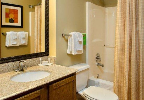 Fenton, MO: Studio Suite Bathroom