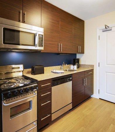 North Kingstown, Род Айленд: One-Bedroom Suite Kitchen