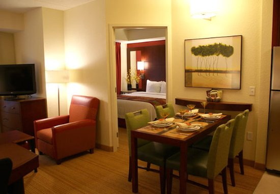 Монровилль, Пенсильвания: Two-Bedroom Suite