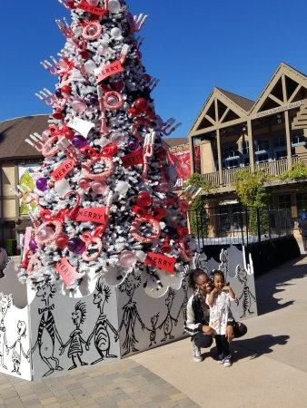 WorldMark San Diego - Balboa Park: Dr Seuss christmas theme