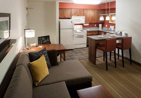 Rogers, AR: Studio Suite – Living Area