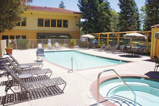Hayward, كاليفورنيا: PoolView