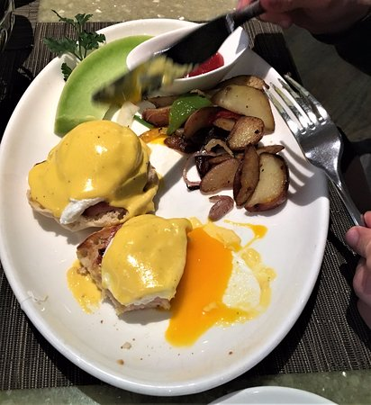 Sunset Marquis: Breakfast at Cavatina