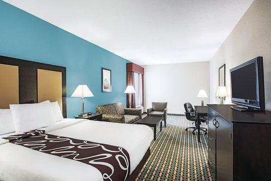 Pawcatuck, CT: Guest Room