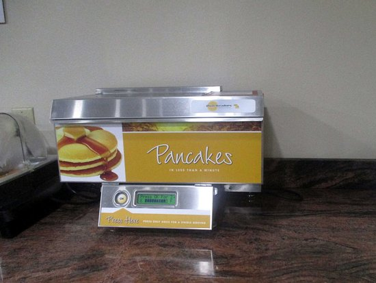 Loves Park, Ιλινόις: Enjoy free pancakes