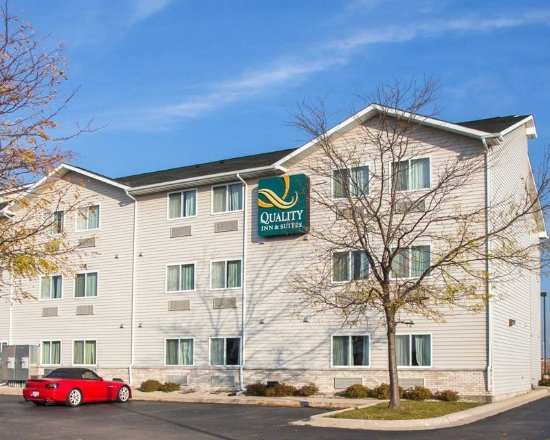 Loves Park, IL: Hotel exterior