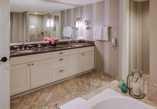 นิวคาสเซิล, นิวแฮมป์เชียร์: One-Bedroom Marina Suite - Master Bathroom